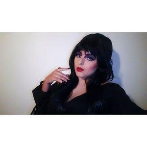 Elvira mistress of the dark costume & wig